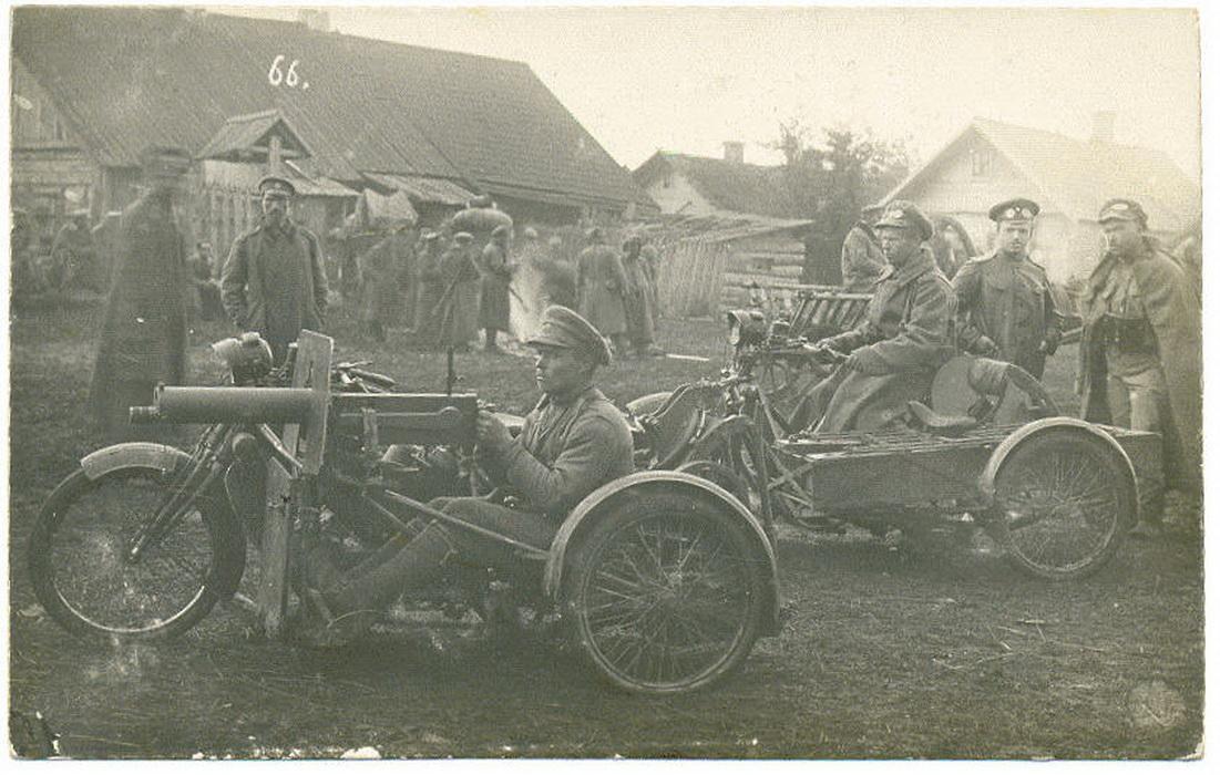 39-й Томский полк. Пулемет Максим, установленный на мотоцикле