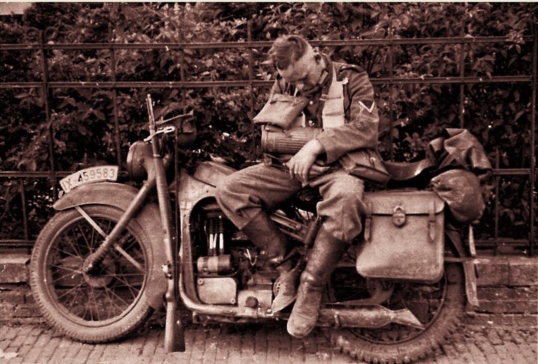 запорожье остановка фрицы на мотоцикле с люлькой картинки как домашняя кошка
