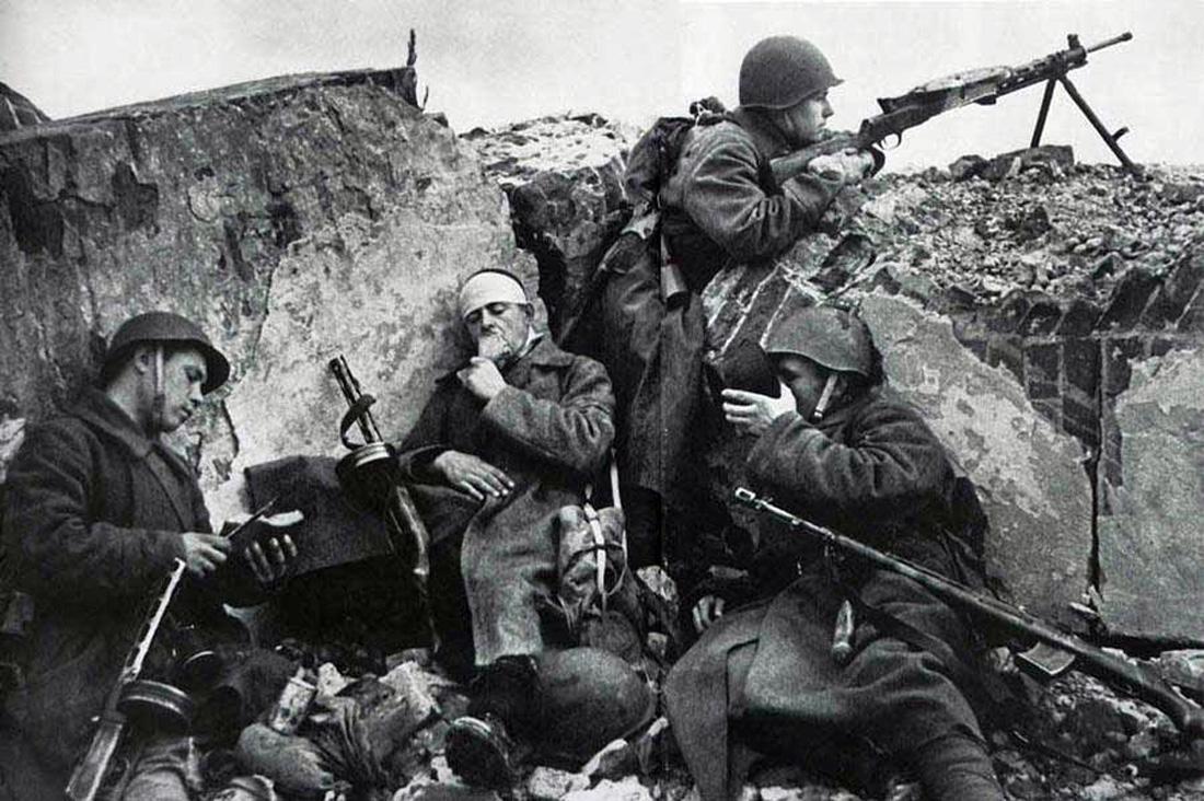 Солдаты моются онлайн фото 120-79