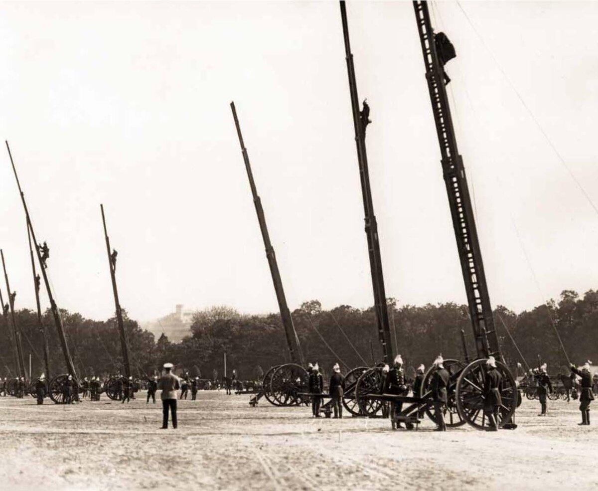 Смотр пожарных частей на Марсовом поле. 1909 г.