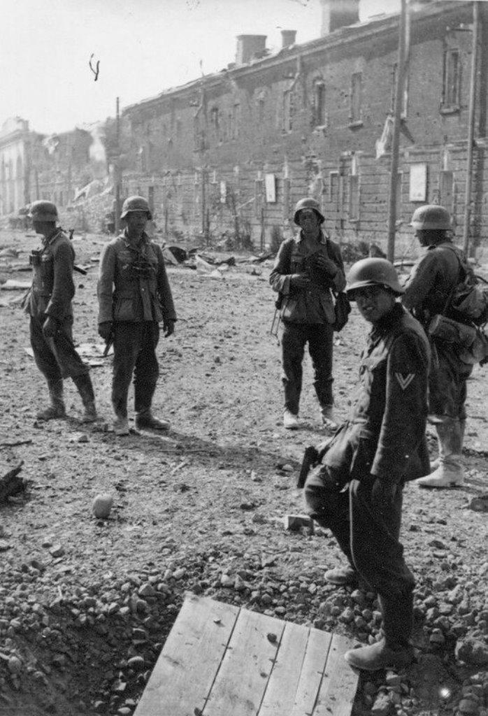 интерьера потребует фото немцев в брестской крепости начинаем подливать