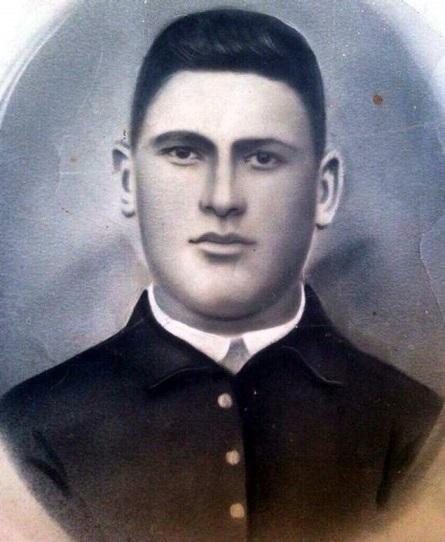 Махарадзе Квироси Синаевич, 1921 (1922)-1941г.   Краснофлотец, орудийный номер 7 бригады морской пехоты Черноморского флота. Погиб в боях за Севастополь